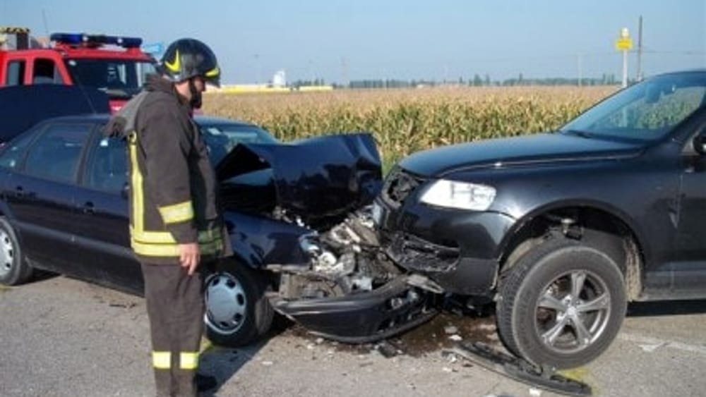 Incidenti stradali in puglia 232 morti nel 2015 bari for Numero abitanti di bari