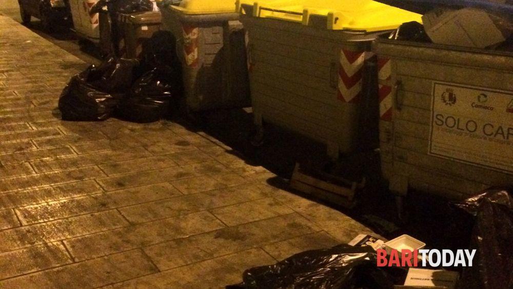 Bari vecchia controlli sul conferimento rifiuti locali for Conferimento rifiuti