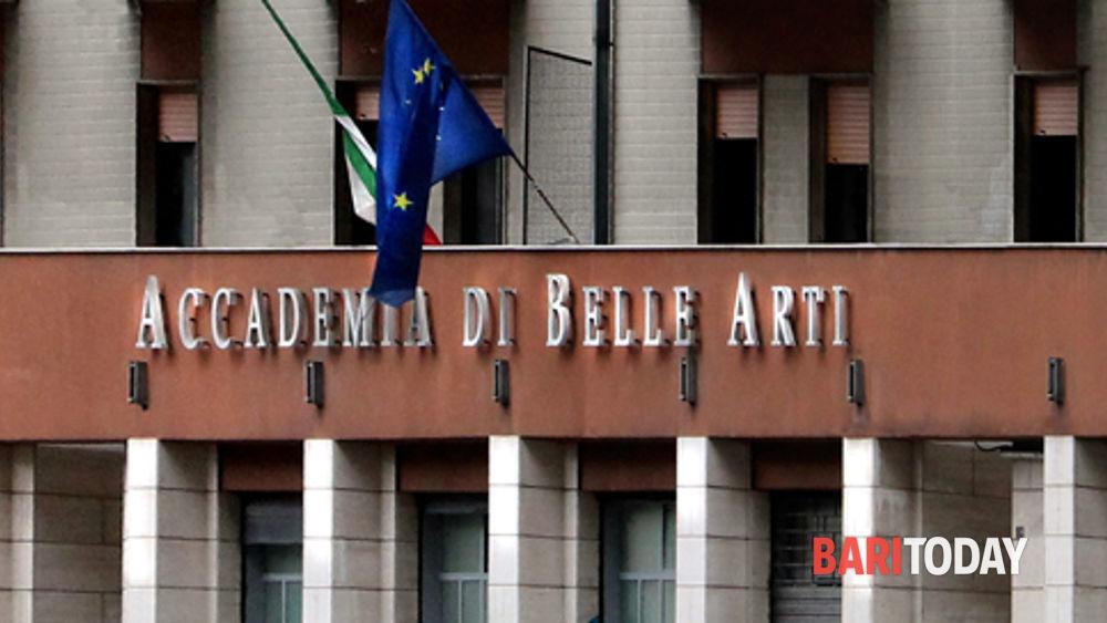 Fondi per l 39 accademia delle belle arti decaro al for Accademia belle arti design