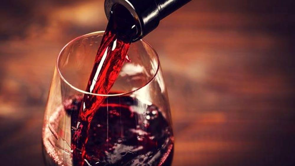 Vino rosso: i benefici racchiusi in un bicchiere al giorno
